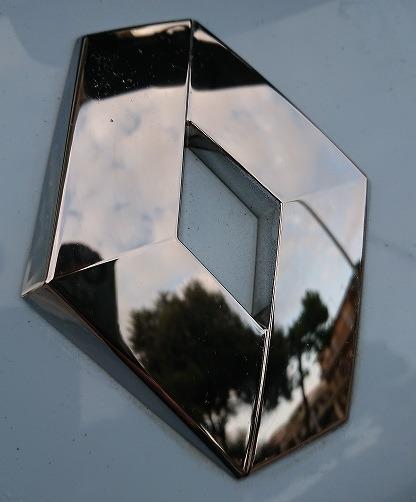 logo monogramma renault zoe sostituito